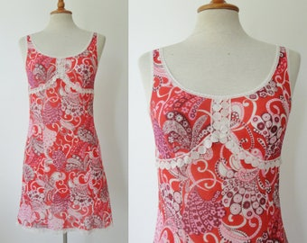 Funky Red 60s Printed Slipdress With Lace // Delfion