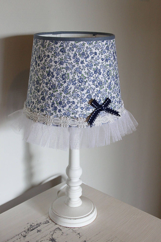 abat jour romantique tissu liberty et tulle shabby chic. Black Bedroom Furniture Sets. Home Design Ideas