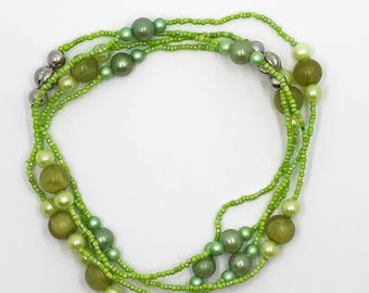 "53"" continuous loop greens necklace"
