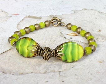 Green Bracelet, Lime Green Bracelet, Olive Green Bracelet, Lime Bracelet, Czech Glass Beads, Antique Gold Bracelet, Unique Jewelry, Gifts
