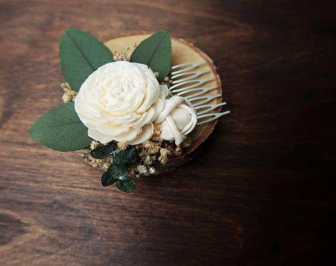 Natural preserved eucalyptus gypsophila hair comb ivory sola flowers rustic woodland baby's breath hairpiece bridal accessory bridesmaid