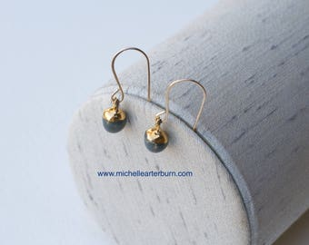Porcelain earrings in dusty blue glaze & 22kt. accents - Drop earrings - Porcelain earrings - Gold-filled wires - Beaded earrings