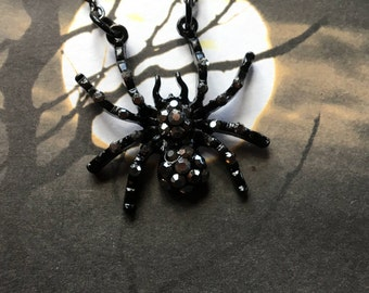 Halloween Jewelry, Halloween Necklace, Halloween Pendant, Spider Pendant, Spider Necklace, Halloween Gift, Gift For Her