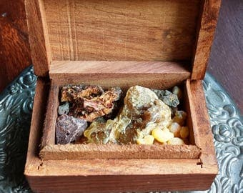 7 Sacred Resins Incense, Dragons Blood, Mystic Myrrh, Black Copal, Frankincense, Golden Copal, Benzoin & Palo Santo, Witchcraft, Wicca,Witch