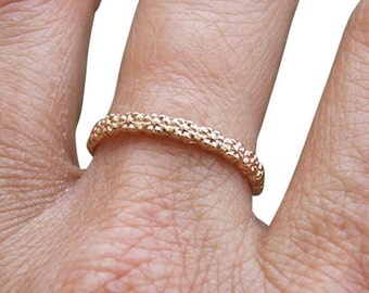 Gold Ring, Flower Ring, Floral Ring, Connected Flowers Ring, Band Ring, Elagant Ring, Stacking Ring, Delicate Ring
