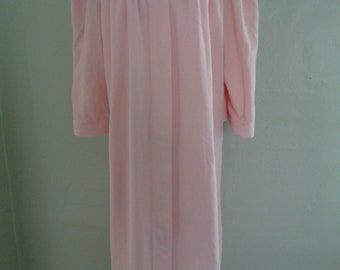 1970s Robe / Vintage Housecoat / Womans Lightweight Robe / Soft Robe