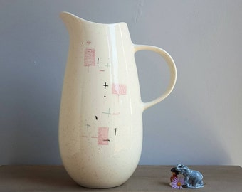 Vernonware Tickled Pink Vintage 10 inch Atomic Kitchen Pitcher from the 1950s, Mid Century Modern Ceramic Pink and Blue Retro Googie Design