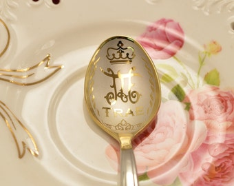 Personalized spoon, Nameplate, Monogram,  Royal monograms, Father's Name, gift from son, gift from Wife, Daddy gift, gift  from coworker