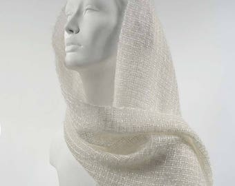 Handwoven scarf in kidmohair and tencel, natural white. Kidmohair scarf, woven by hand, ivory white.