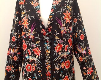 Beautiful 1920s jacket Chinese embroidered silk antique vintage