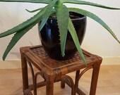 Tabouret vintage en bois et rotin / porte-plante / table d'appoint