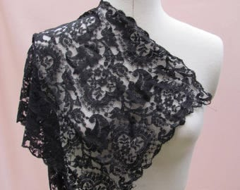 Beautiful ! Vintage Mantilla - 1m85