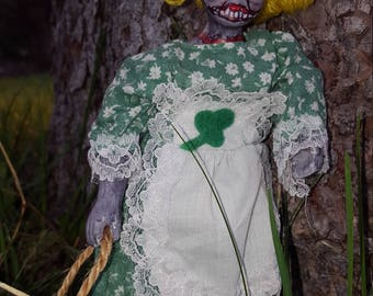 Annette - happy-go-lucky rotting zombie doll