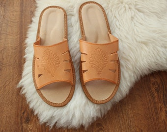 Men Slippers Shoe Slippers Leather Slippers spring summer sandals House Shoes slippers House Slippers Handmade Slippers open toe slippers