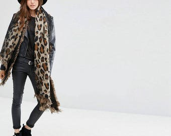 Warm woman's scarf Leopard Love|Long ladies shawl|Extra thick quality|Leopard|Brown Black|Frayed