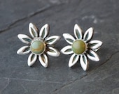 Daisy Stud Earrings, Kingman Turquoise and Sterling Silver, Southwestern Post Earrings, Floral Earrings, Genuine Green Turquoise Gemstones