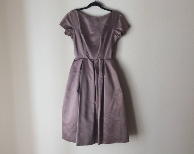 Scoop Back Formal | 40s vintage Hannah Troy mid century 1940s 1950s petticoat fitted self covered buttons dress womens muted mauve taupe XS