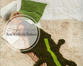 Arm Knitting Pattern // Arm Knit Alligator Sleep Sack // Animal Blanket // Knitting Pattern // Child's Blanket Pattern // Simply Maggie