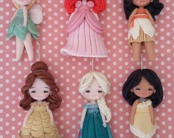Offer 4 princess 5cm. Disney princess Necklace, polymer clay elsa cinderella belle jasmine rapunzel)