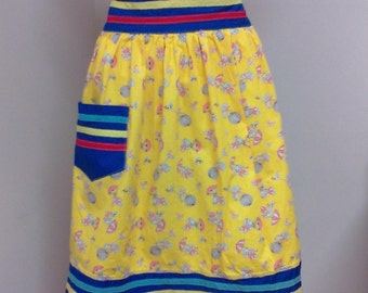 Vintage Handmade Apron Yellow with Puppies with Pink Umbrellas One Pocket Vintage Apron Ties in Back Kitchen Apron with Puppies and Piggies