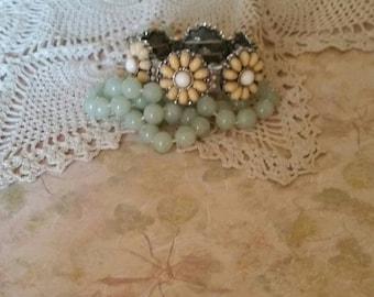 Vintage Expandable Lucite Bracelet Flower Bracelet 1980s The Wild Vintage Rose