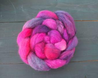 Handdyedf BFL Roving 3.5 oz (100 gr) for spinning, felting, weaving