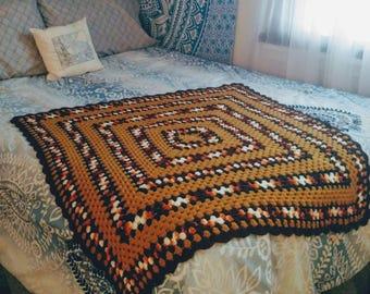 Vintage Crochet Afgan // Throw Blanket // Baby Blanket // Lap Blanket // Bedding // Vintage Boho Decor