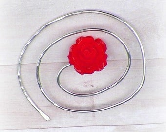 Shawl Mimimalistic Pin Spiral Penannular Brooch Red Rose Vintage Hammered Minimalist  Style Scarf Pin Outlander