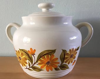 Darling vintage Capri creamy white ceramic cookie jar adorned with orange & yellow daisies perfect Mod decor for Farmhouse kitchen!