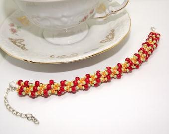 Beaded red and green armband/bracelet/bracelet/handmade Beads bracelet/Handmade bracelet