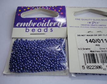 seed fine embroidery (011) 2mm blue iris