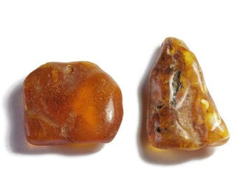 L9 - 2 large beads of amber pendants natural honey color