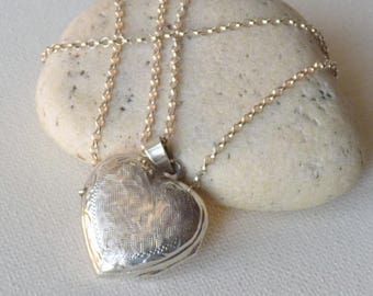 Tooled Sterling Silver Heart Locket Vintage Engraved Memory Locket Romantic Jewelry, Retro Art Deco Locket Jewelry, Silver Photo Locket 925