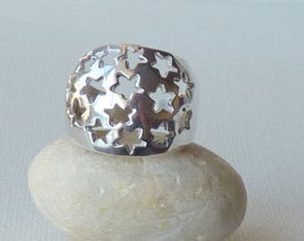 Sterling Domed Band Ring Size 7.5 Silver Wide Star Ring Modern Sterling Silver Band Ring 7 1/2 Fashion 925 Sterling Vintage Jewelry 925