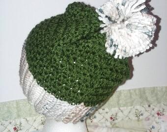 Crochet Beanie w Pom Pom Forrest Green
