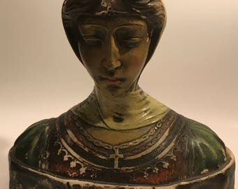 Beatrice bust sculpture