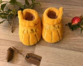 Calzini con ricamo zampa per bambini, imbottite,  caldo cotone e pile giallo di alta qualità,  regolabili con velcro Regalo per Nascita
