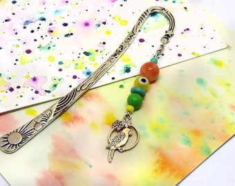 Colorful bead bookmark - Parrot bookmark - Quirky bookmark gift - Large silver bookmark - Gift ideas for book lovers - Parrot lover gifts