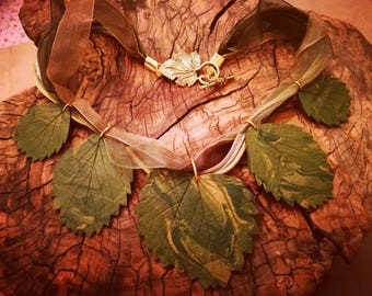Necklace with strawberry leaves