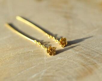 Gold Tiny Flower Ear Thread Earrings in 100% Sterling Silver, Gold Chain Earrings, Flower Ear Threads, Gold Earrings