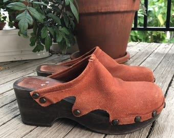 Vintage Suede Burnt Orange Clogs - Size 7.5