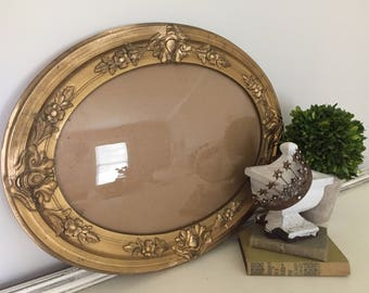Antique Oval Frame, Antique Picture Frame, Convex Glass, Vintage Frame, Gold Frame, Country French, Cottage Decor, Farmhouse Decor #042