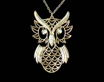 1970's Large Owl Pendant Necklace In Gold Tone, Articulating, 4 inches
