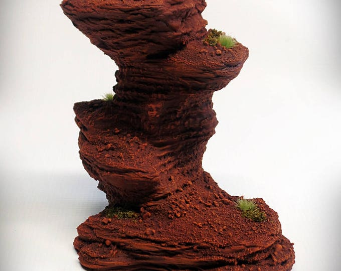 Single Spire C – UNPAINTED kit - Miniature Wargaming & RPG rock formation terrain