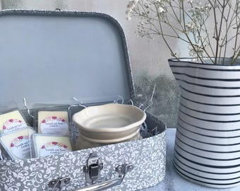 Wax Melt Gift Set - Large | Mother's Day Gift | Large Grey Floral Suitcase with a Cream Electric Wax Warmer and 4 Packets of Wax Melts
