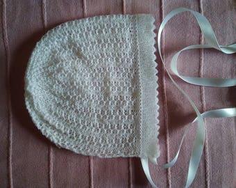 Christening bonnet/ baby bonnet/ white lace bonnet/ baptism bonnet