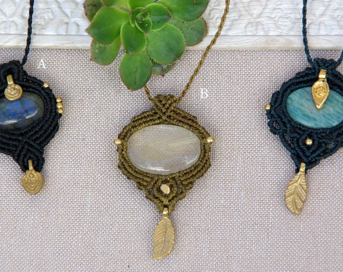 Amulet macrame, labradorite, rutilated quartz, amazonite, tribal jewelry, fairy pendant, nickel free, talisman stone, yoga