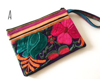 MEXICAN EMBROIDERED CLUTCH, Mexican Bag, Boho clutch, Vintage, Made in Chiapas, Free Shipping