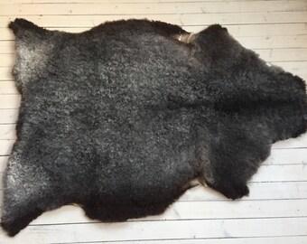 Supersoft sheepskin rug large beautiful Norwegian pelt short haired sheep skin curly grey throw 18003