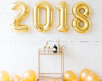 New Year's Eve parties and decor